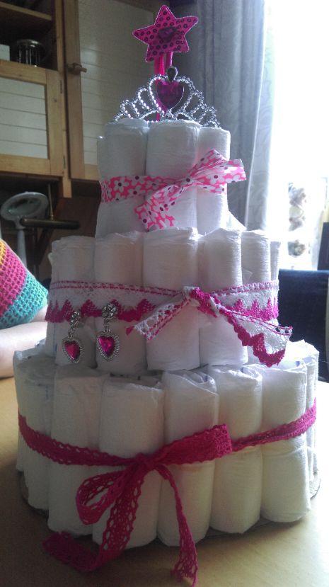 luiertaart_diapercake_present_babyshower_girl_murielsworkshop